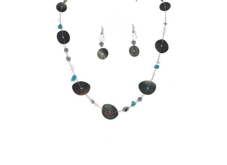 A photo of the Wire Necklace product
