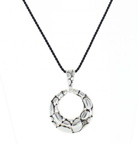 silver_loop_pendant