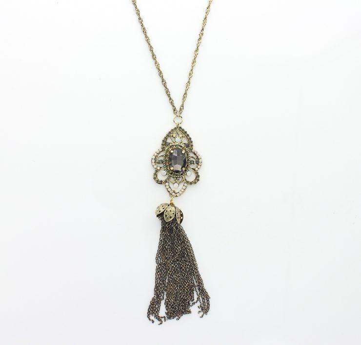 A photo of the Long Tassle Necklace product