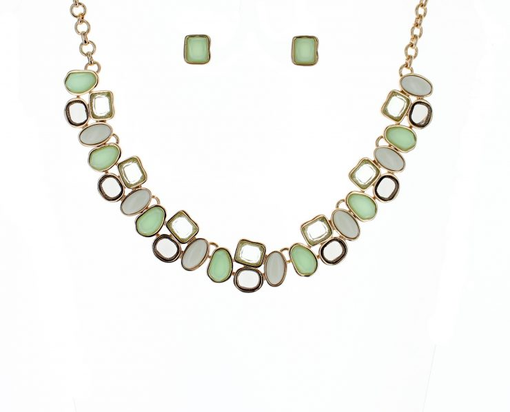 A photo of the Mint Obsession Necklace product