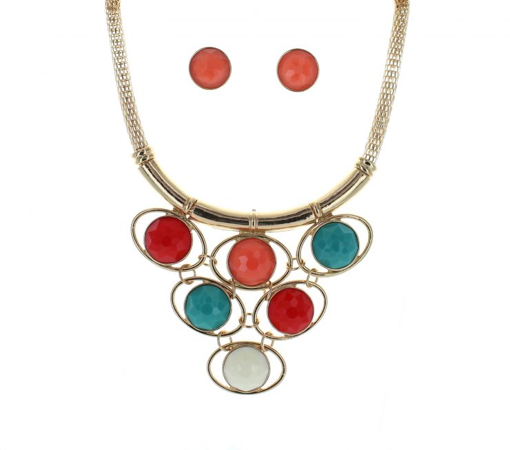 A photo of the Variable Color Statement Necklace product