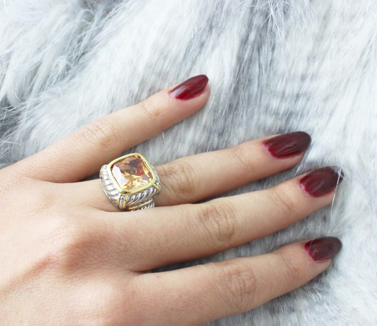A photo of the Coral Stretch Ring product