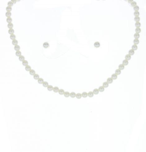 girlswhitepearlnecklace