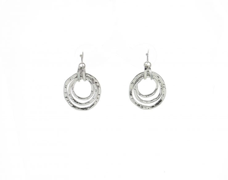 A photo of the Metal Rings Necklace product