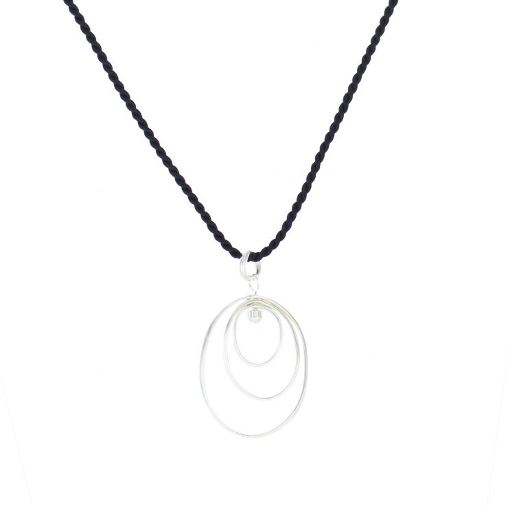 A photo of the Oval Rings Pendant product