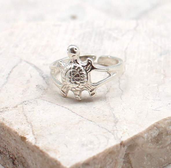 A photo of the The Tiny Turtle Toe Ring product