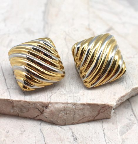 A photo of the Wavy Lines Square Earrings product
