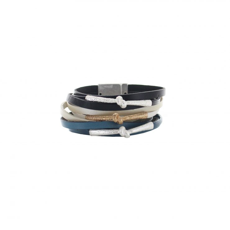 A photo of the Knot Magnetic Bracelet product