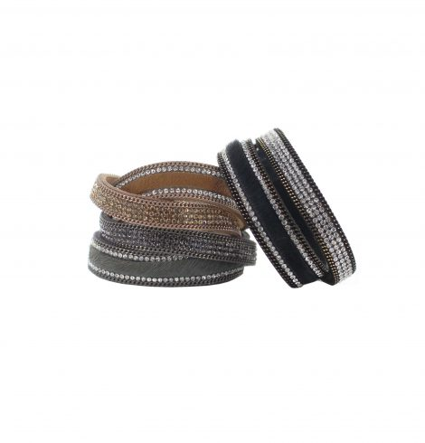 A photo of the Glitzy Cowhide Bracelet product