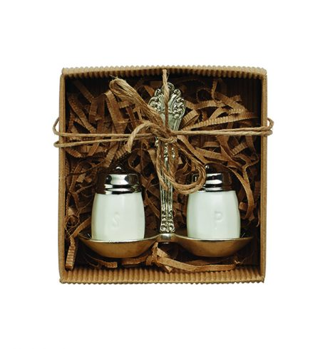 mudpie_circa_salt_and_pepper_set
