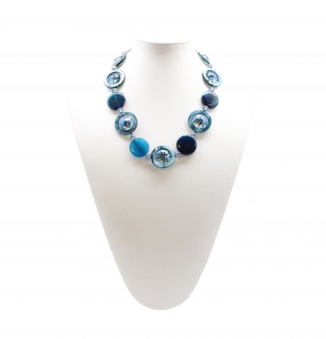 crystal_through_necklace_blue
