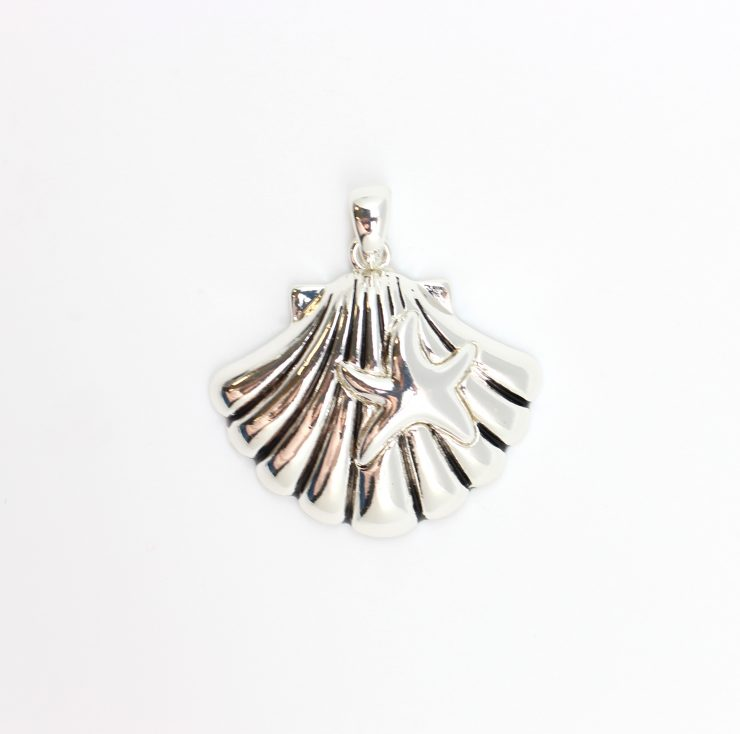 A photo of the Classic Shell Pendant product