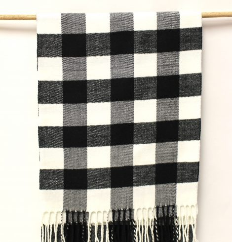 cashmere_feel_whiteblack_large_checks