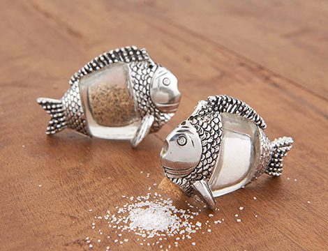 mudpie_fish_salt_and_pepper_set