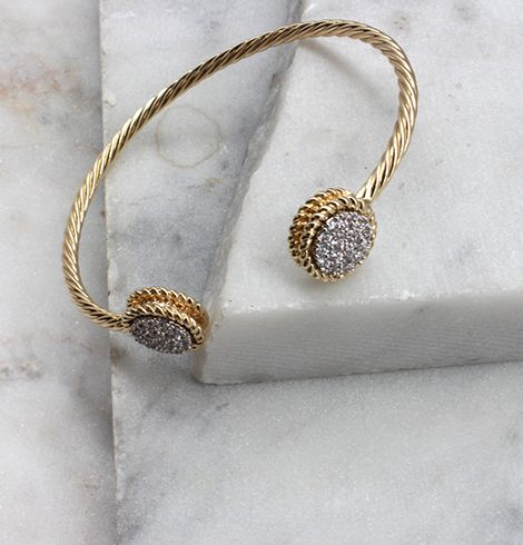 A photo of the Rhinestone Buttons Bracelet product