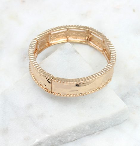 A photo of the Bar Rim Stretch Bracelet product