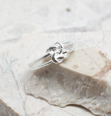 A photo of the The Knot Toe Ring product