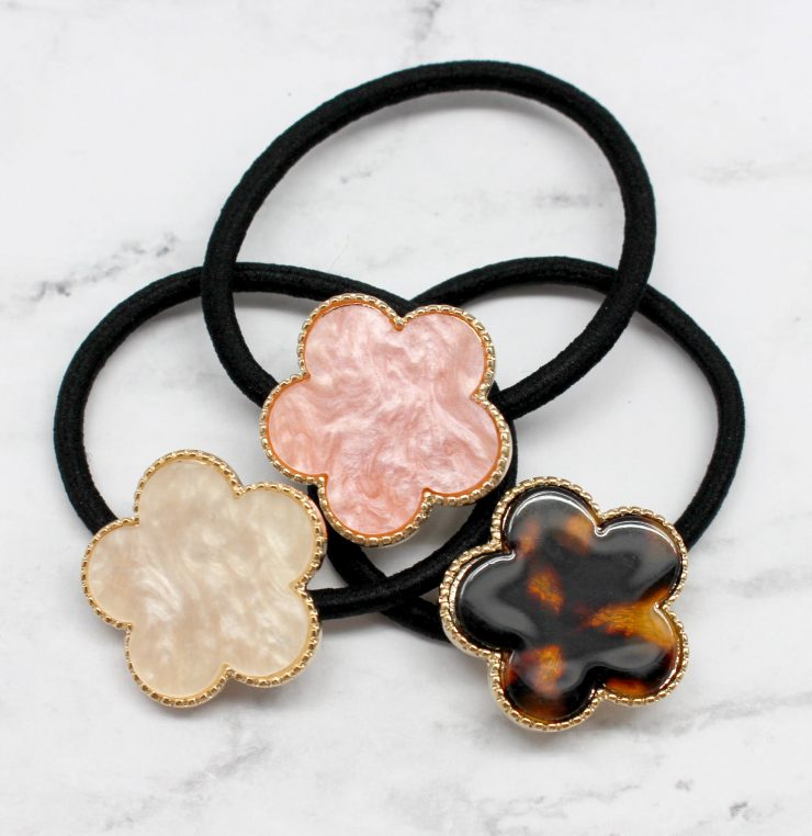 A photo of the Enamel Design Hair Tie product