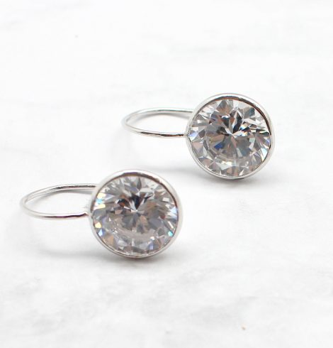 A photo of the The Simple Chic Earring product