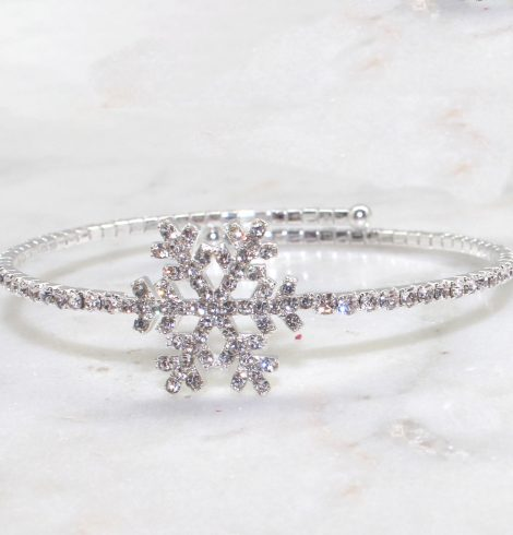 A photo of the Frozen Flake Bracelet product