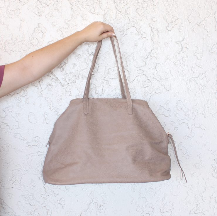 A photo of the Hot Shot Tote product