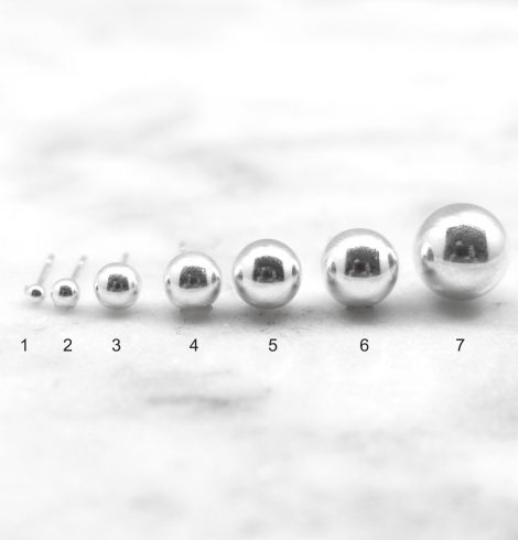 A photo of the Simple Stud product
