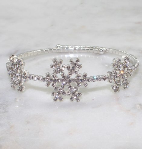 A photo of the Snowstorm Bracelet product