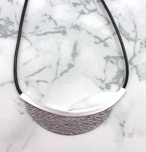 A photo of the Textured Plate Necklace product