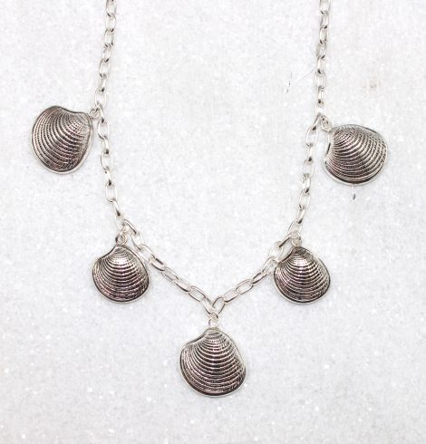 A photo of the Clam Shell Necklace product