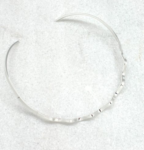 A photo of the Crinkled Choker product