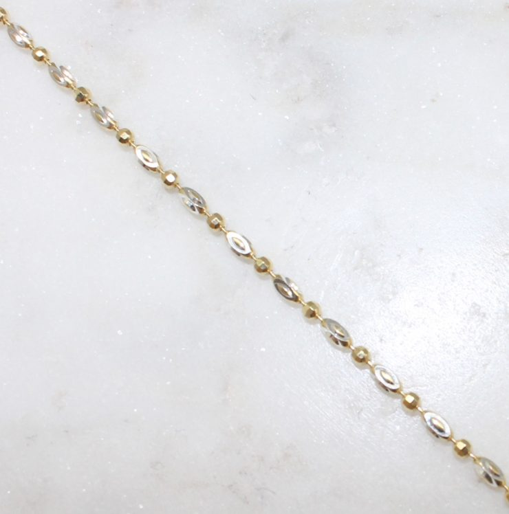 A photo of the Pisa Chain product