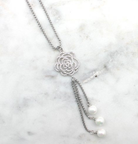 A photo of the Rose Necklace product