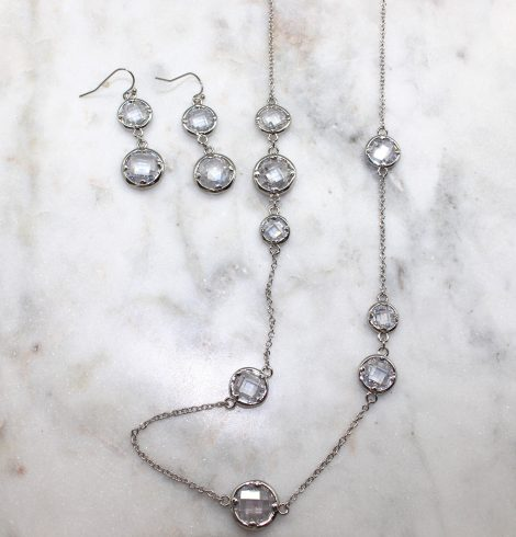 A photo of the Round Gemstone Necklace product