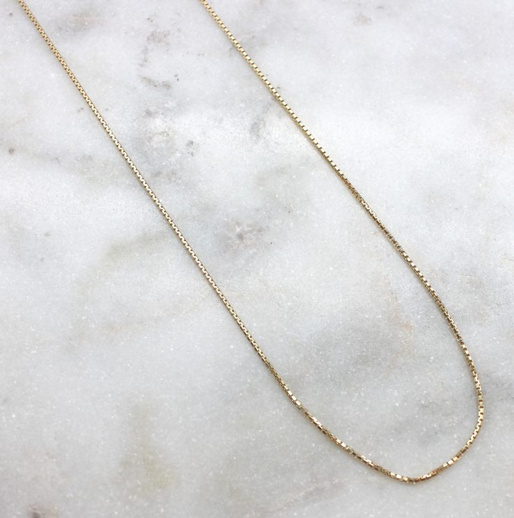A photo of the Delicate Golden Chain product