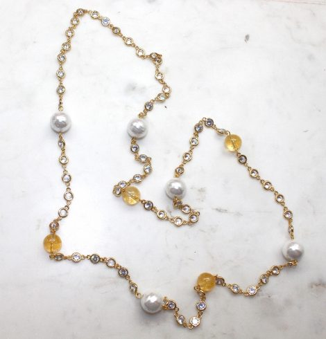 A photo of the Moe Necklace product