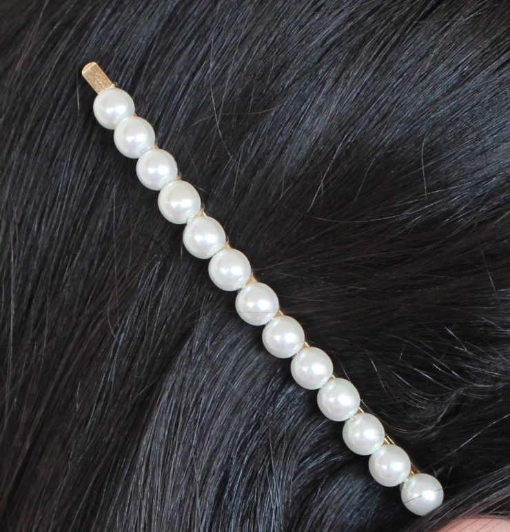 A photo of the Small Pearl Bobbi Pin product