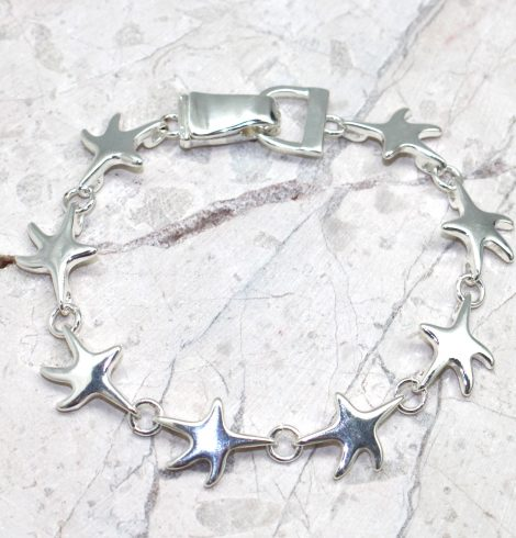 A photo of the Starfish Wishes Bracelet product
