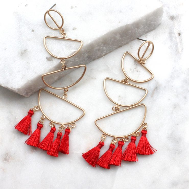 A photo of the Sub Tropics Earrings product