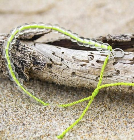 A photo of the 4Ocean Sea Turtle Bracelet product
