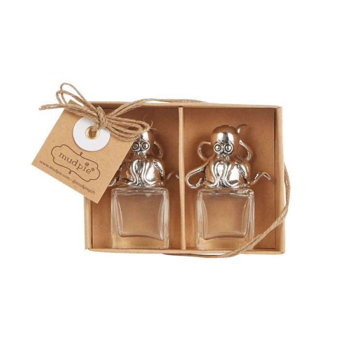 A photo of the Octopus Glass Salt & Pepper Set product
