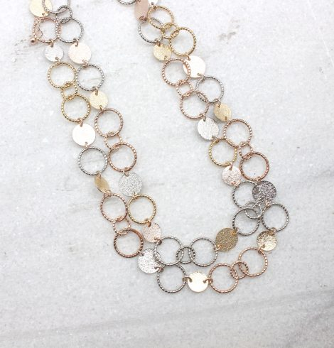 A photo of the Mae Necklace product