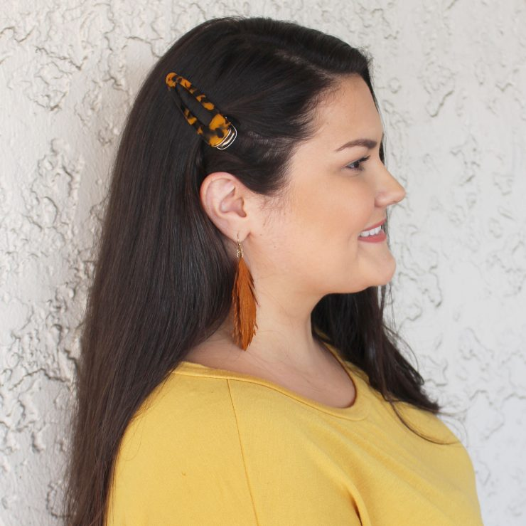 A photo of the Tortoise Shell Hair Clip product