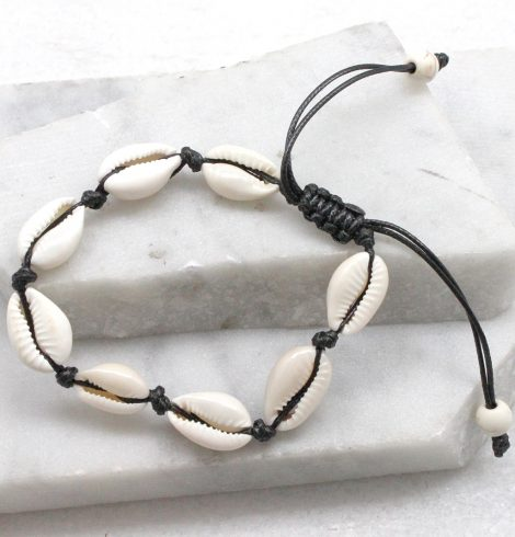 A photo of the Cowrie Bracelet in Black product