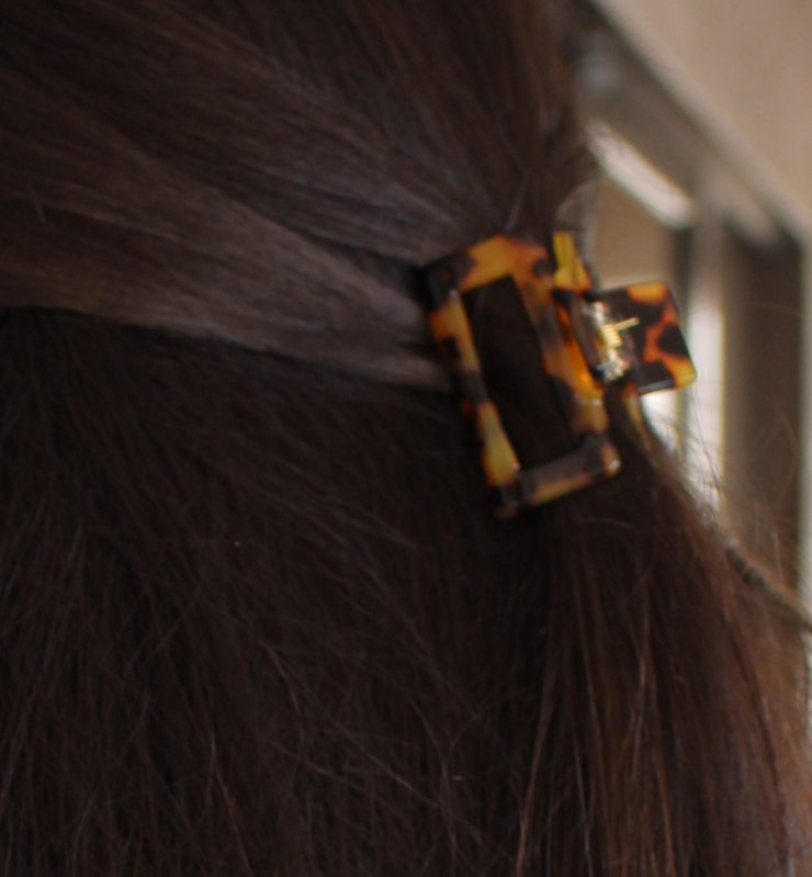 A photo of the Tortoise Shell Claw Clip product