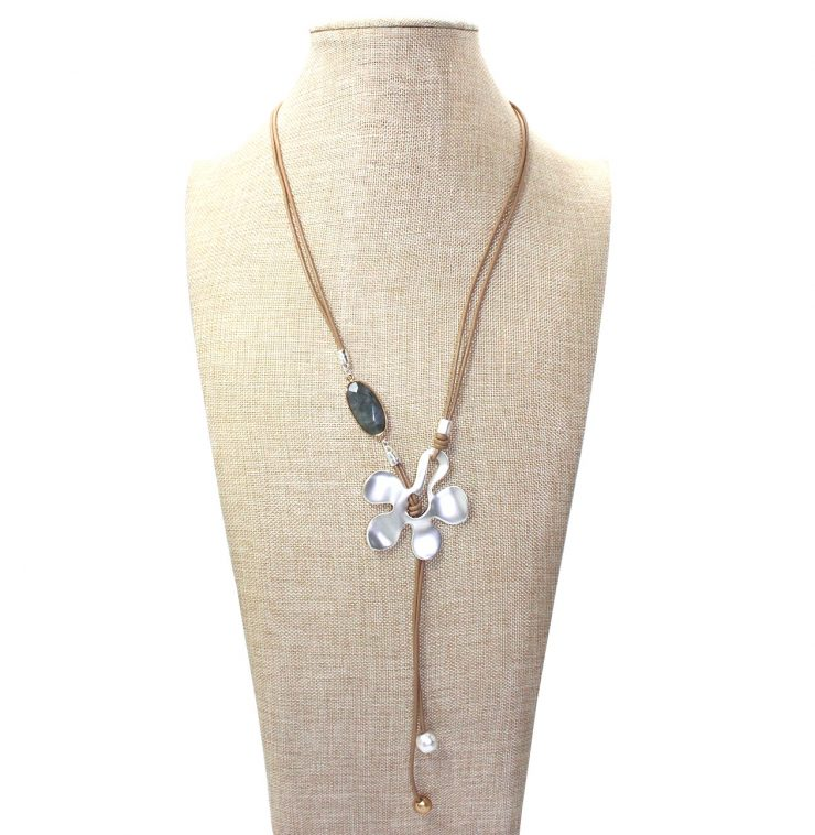 A photo of the Flower Gem Necklace product