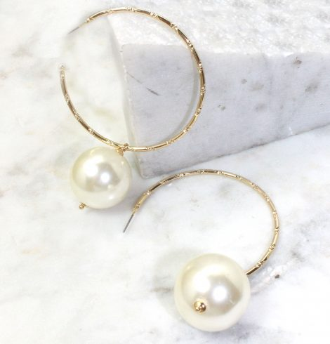 A photo of the Shane Earrings product