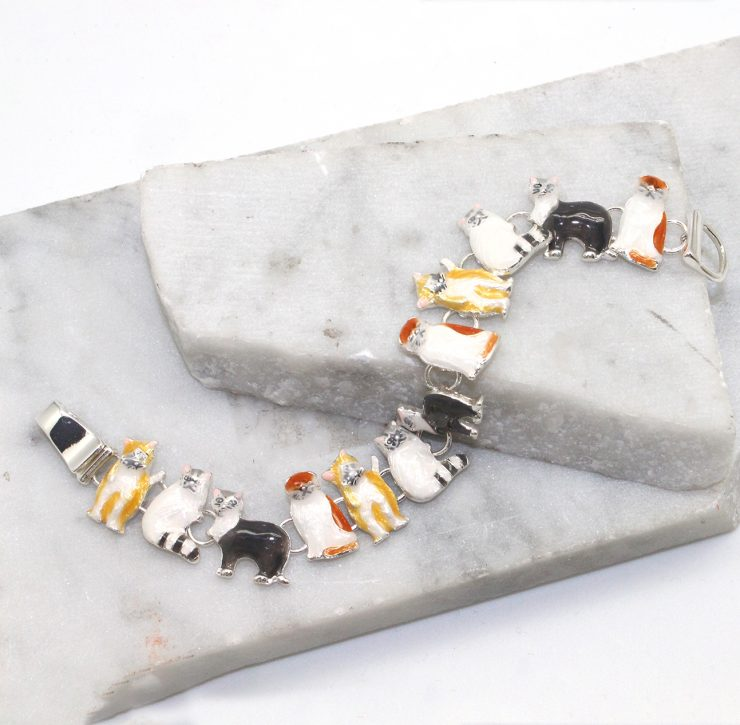 A photo of the Kitty Cat Bracelet product