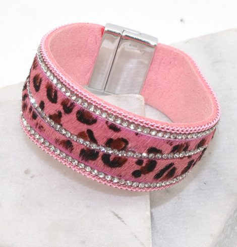 A photo of the Leopard Magnetic Bracelet in Pink product