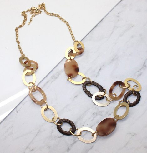 A photo of the Alia Necklace product