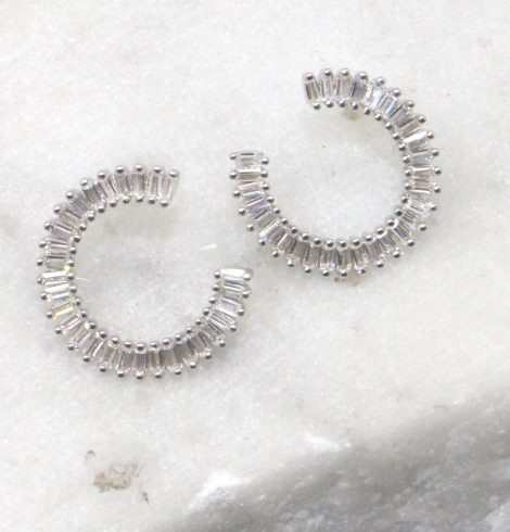 A photo of the Circular Stud Earrings product